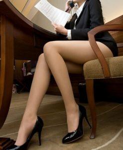 Récit érotique: La secrétaire sexy au bureau