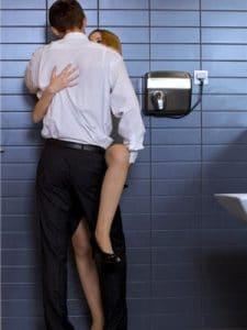 Lieux pour faire l'amour: Les toilettes