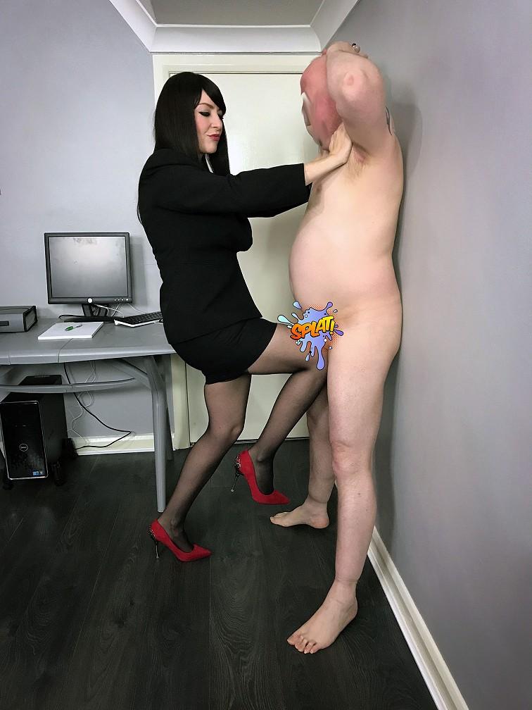 le ball busting, une pratique bondage pour de grand maso